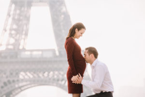 Maternity Photoshoot in Paris | An Adventure is Calling